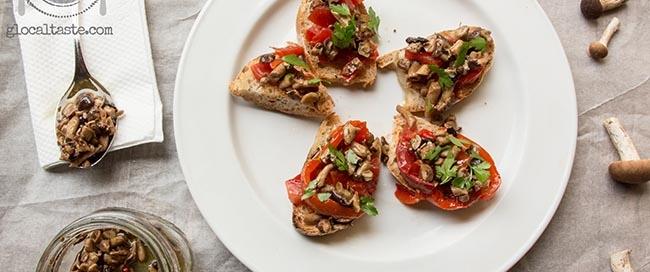 bruschette-pioppini-peperone