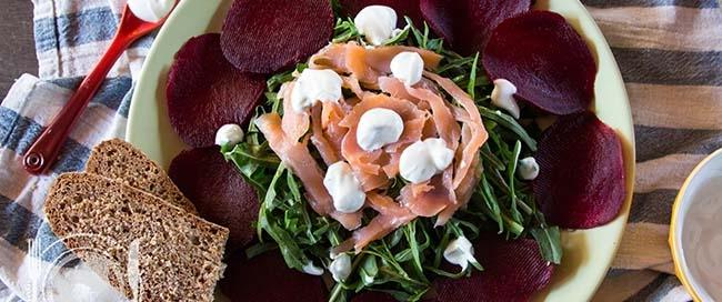insalata-rughetta-rapa-salmone
