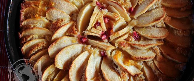 Torta di mele e glassa di melograno.