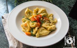 tortelloni-ricotta-e-spinaci-con-rughetta-e-pinoli1